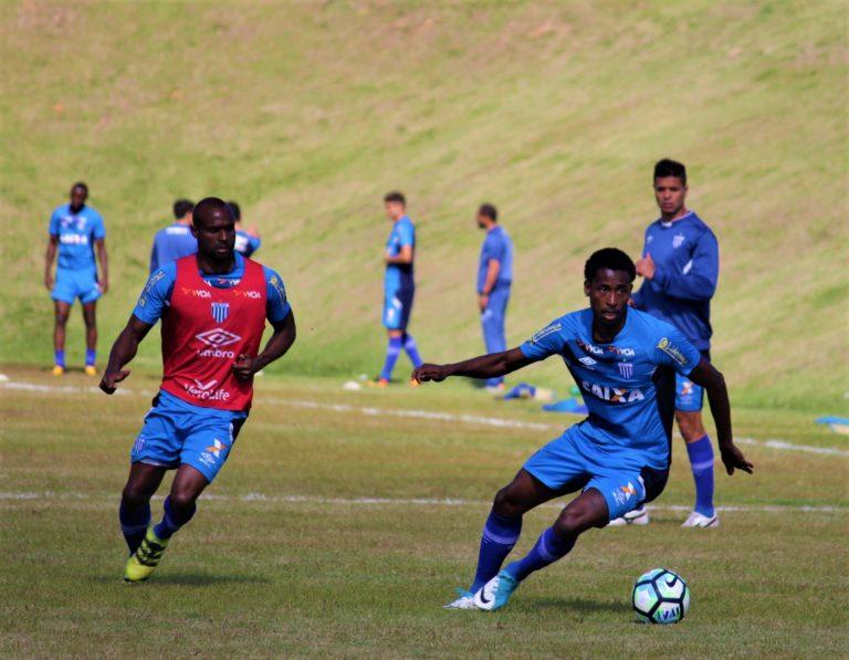 Avaí: Wellington Simião e Diego Tavares, novos reforços, treinam com o elenco