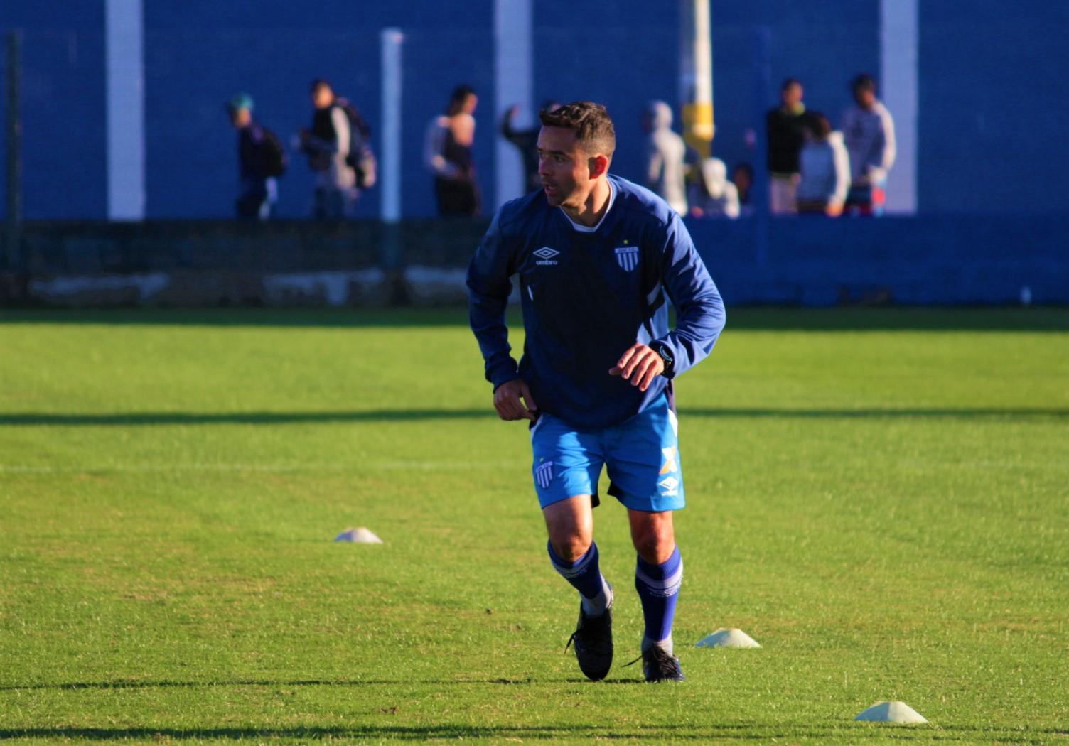 Avaí treina para enfrentar o Corinthians nesta quarta-feira