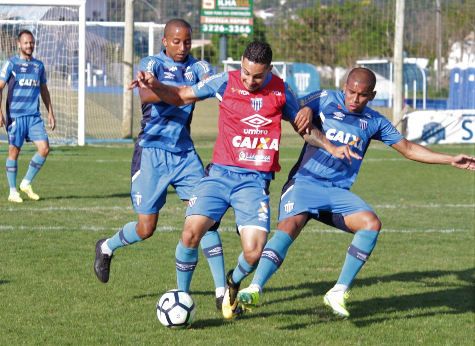 Avaí se prepara para confronto com o Botafogo