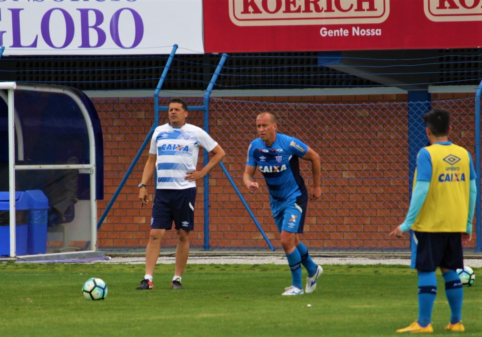 Avaí: Maicon treina entre os titulares para confronto contra o Bahia