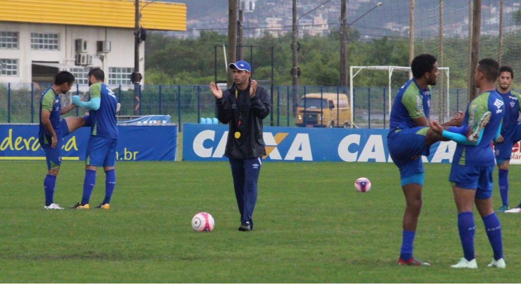 Jaelson Ortiz busca evolução na preparação física dos atletas avaianos