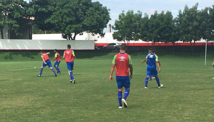 Avaí treina em Goiânia para a decisão diante do Goiás