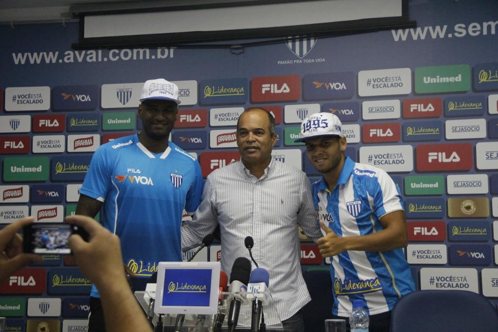 Avaí: Célio Santos e Rafinha são apresentados