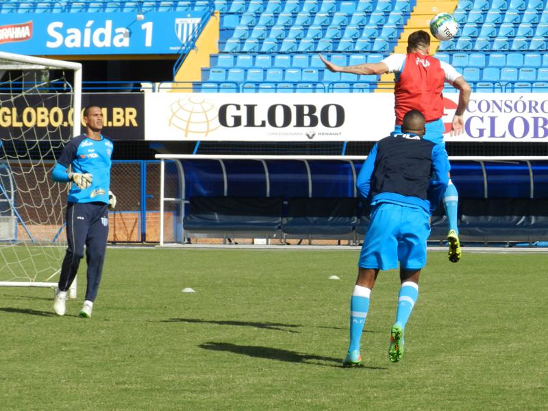 Avaí estreia no Brasileiro diante do Bahia